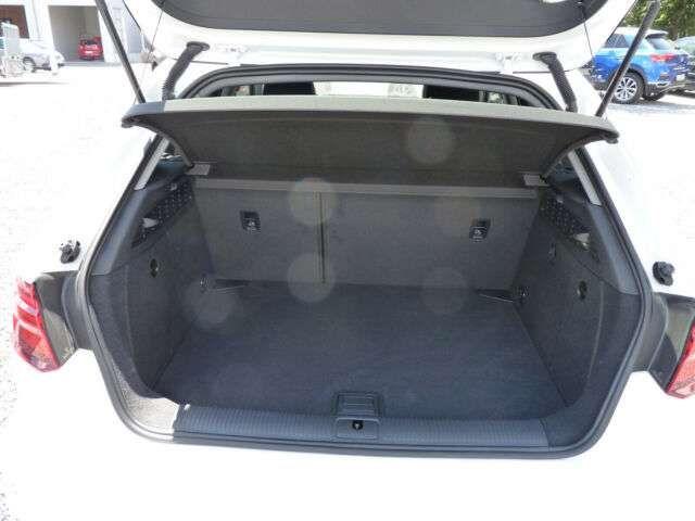 Audi A3 Sportback 35 TFSI S-Tronic- S-Line Sport
