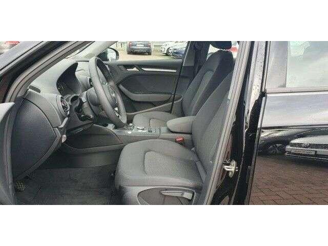 Audi A3 Sportback 35 basis 1.5 TFSI NAVI / PDC / SHZ / XEN