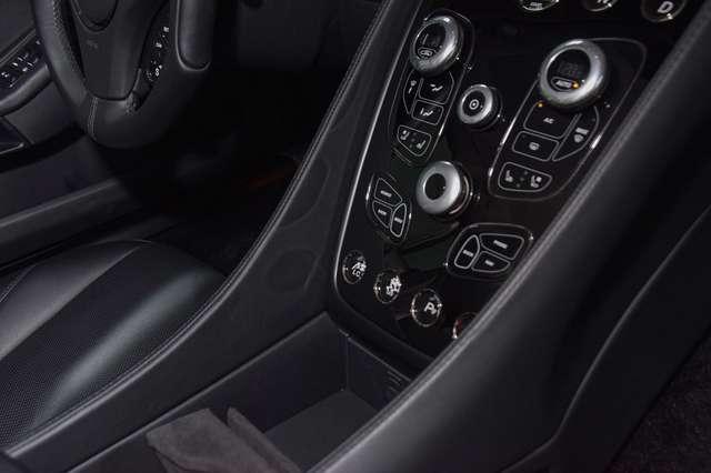 Aston Martin Vanquish Coupé - 8-Speed Gearbox