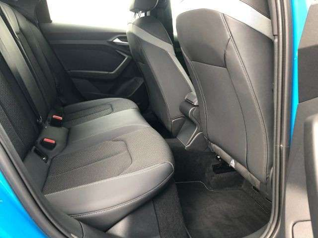Audi A1 S line 1.0 TFSI S TRONIC Navi|LED
