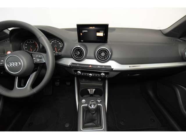 Audi Q2 30TFSI sport LED Keyless Panorama el.Heckklappe