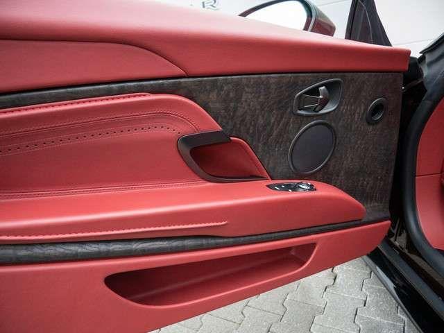 Aston Martin DB11 Coupe V8 UPE: 221.336,-